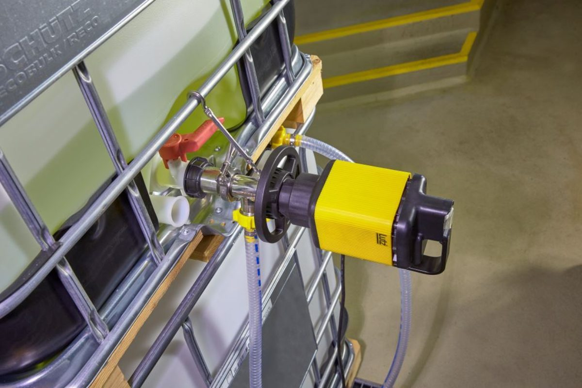 Lutz lance une pompe vide-fûts horizontale pour conteneurs