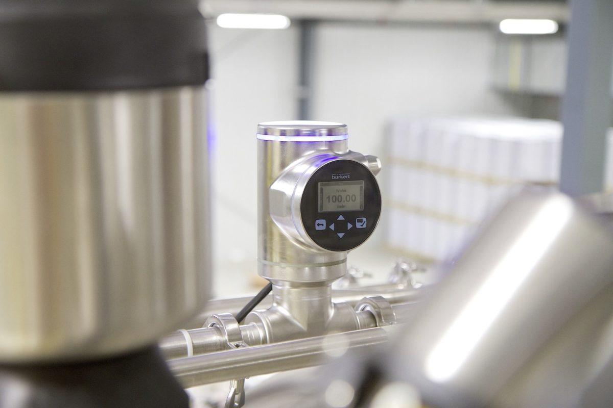 Un débitmètre innovant à SAW (ondes acoustiques de surface) sans aucune pièce dans le tube
