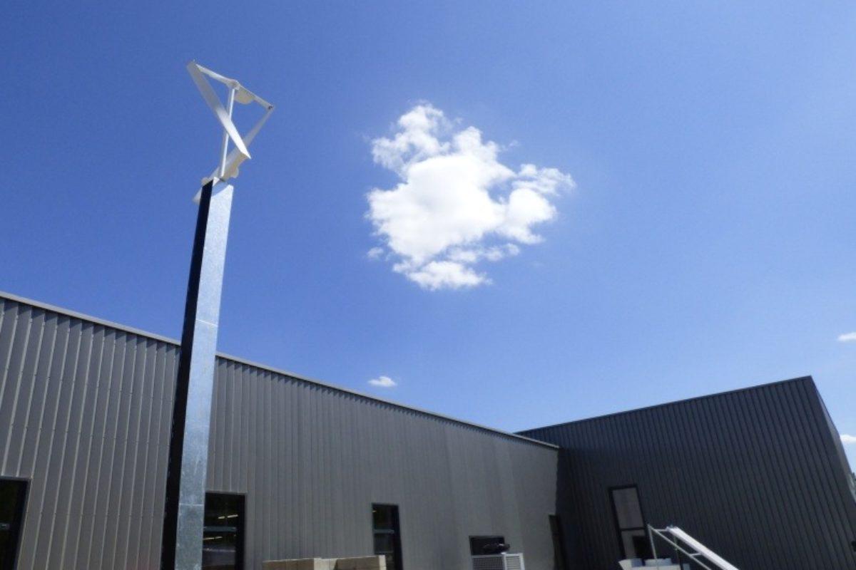 Valorisez vos parkings, toitures, jardins, … avec ces petites éoliennes verticales innovantes